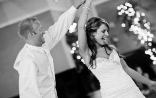 Top_Wedding_First_Dance_Songs_2017