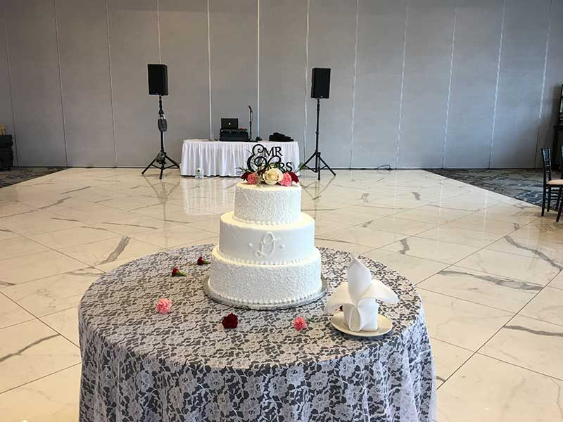 wedding cake dj rig