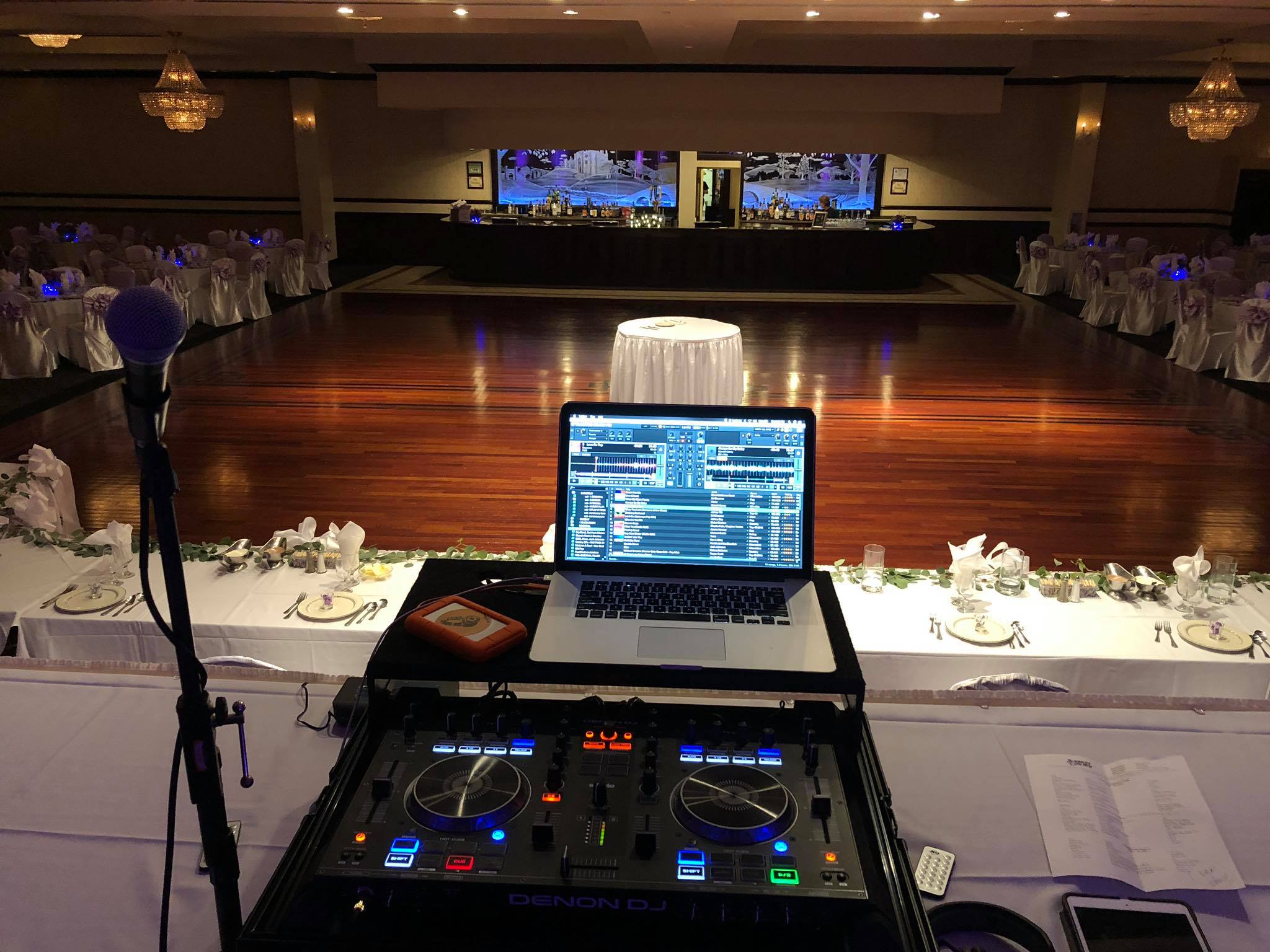 chicago wedding dj lighting set up